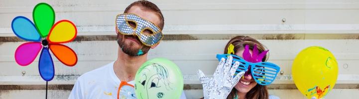 8 Trik Lebih Fotogenik Pas Difoto Bareng Pasangan Kamu