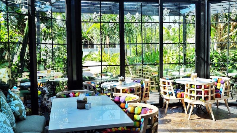 Cafe Bali 4 - Youthmanual