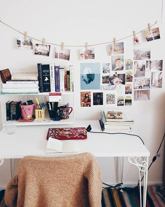 Menghias R Dengan Poster Dan Post Card